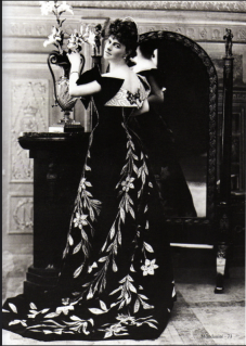 les-robes-tresors-de-la-comtesse-greffulhe-photo-de-nadar-e1447168662399