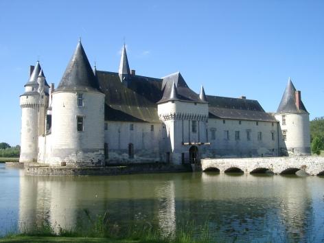 Chateau_du_Plessis-Bourre_Vue_SE_no_02_2004-05-23